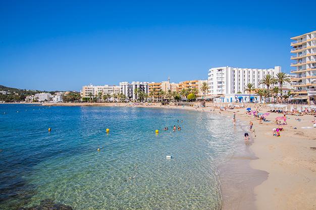 pilar camacho alvarez jV3jsXXzg20 unsplash - Oportunidades de compra: 10 pisos en Ibiza por menos de 200.000 euros