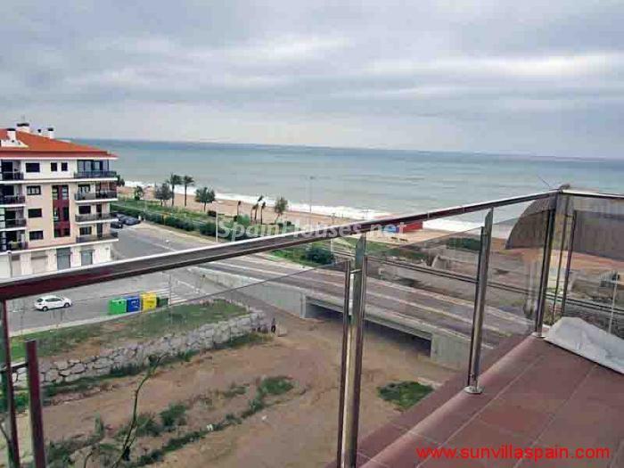 pinedademar barcelona 1 - 20 pisos en la costa con vistas al mar por menos de 200.000 euros