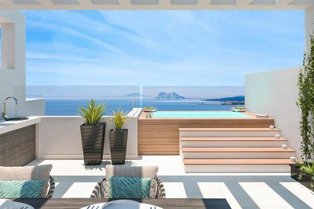 piscina 1 2 - Exclusiva casa con piscina en la Costa del Sol