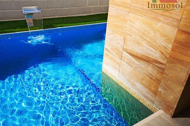 piscina 2 1 1 - Chalet de lujo en Alicante: confort y excelente ubicación