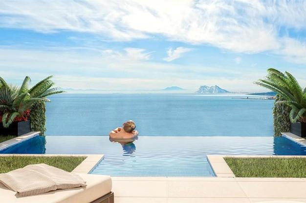piscina 2 2 - Exclusiva casa con piscina en la Costa del Sol