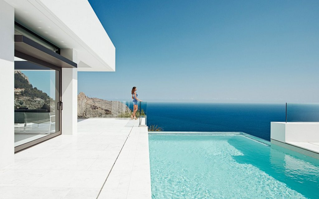 piscina 26 1024x639 - Altea Hills: Villas de diseño mediterráneo con vistas al mar en Costa Blanca (Alicante)