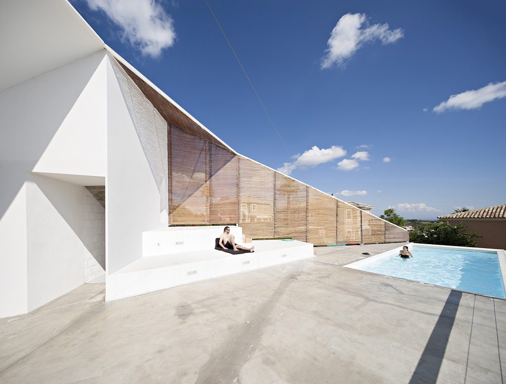 piscina 34 1024x777 - Casa de los Vientos: Adaptación para el verano en La Línea de la Concepción (Cádiz)