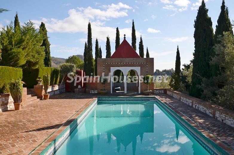 piscina 4 - Vacaciones llenas de encanto en un cortijo andaluz en Frigiliana (Costa del Sol, Málaga)
