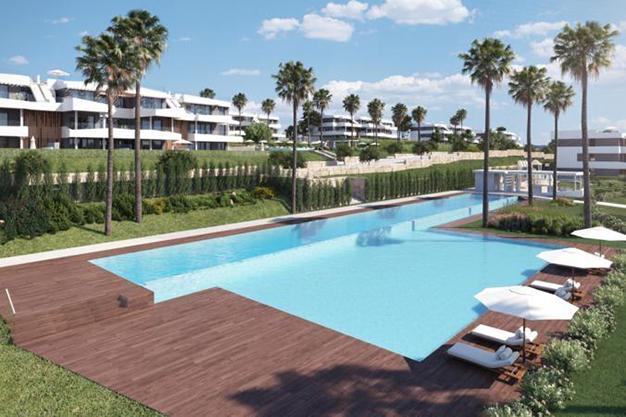 piscina el limonar - Este piso de lujo en Málaga te atrapará por su diseño moderno y atractivo