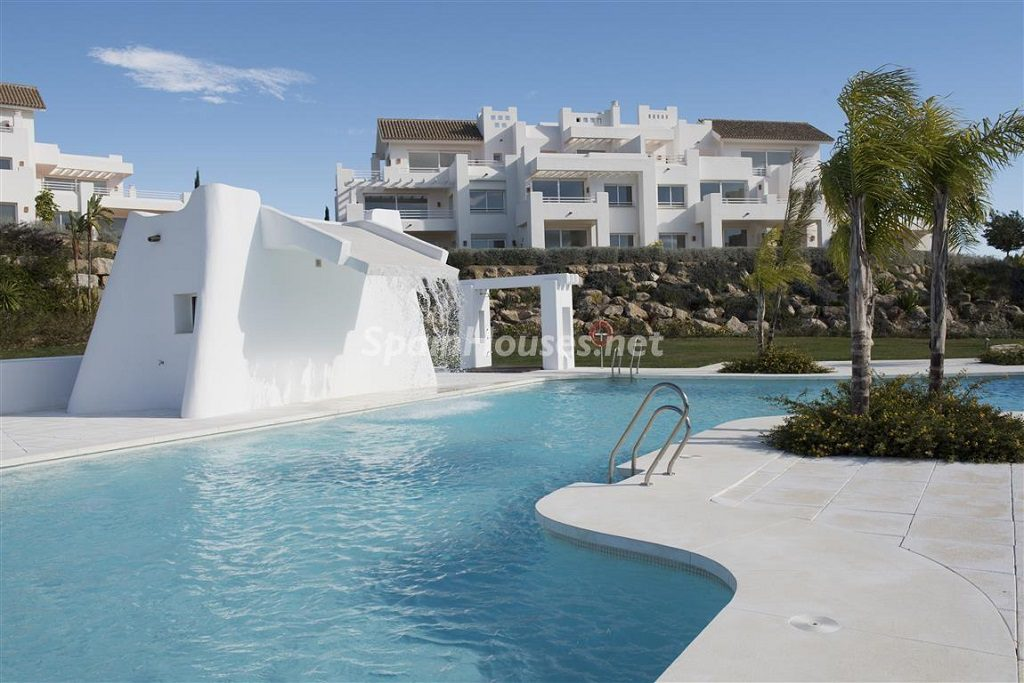 piscina1 5 1024x683 - Crystal Lagoons, Casares (Málaga): Apartamentos en 1ª línea de playa, a 10 km del mar