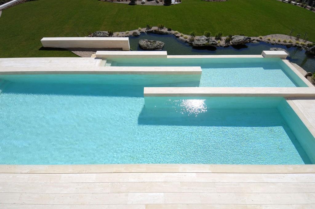 piscina113 1024x680 - Diseño contemporáneo y minimalista en La Finca, Pozuelo de Alarcón (Madrid)