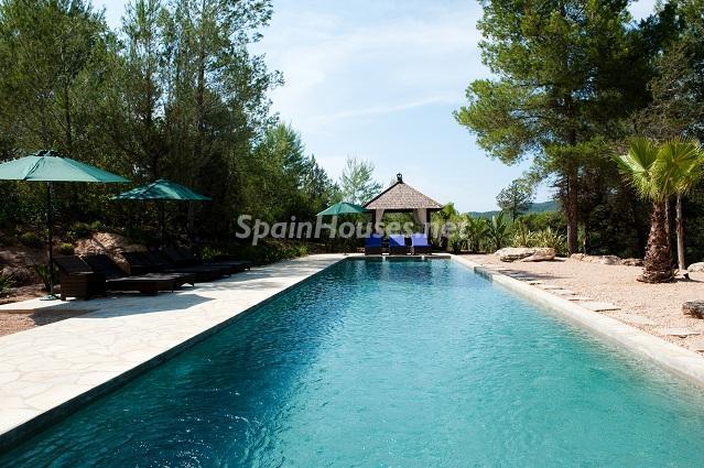 piscina210 - Preciosa casa de reluciente blanco mediterráneo en la campiña ibicenca