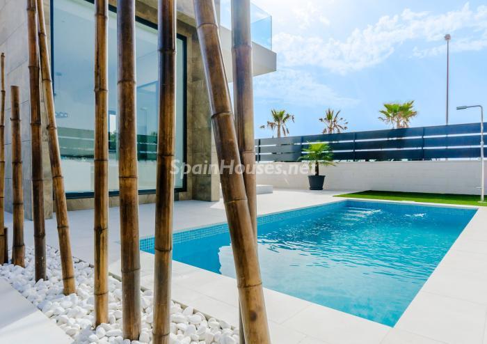 piscina211 - Coqueta y luminosa casa de diseño en Guardamar del Segura (Costa Blanca, Alicante)