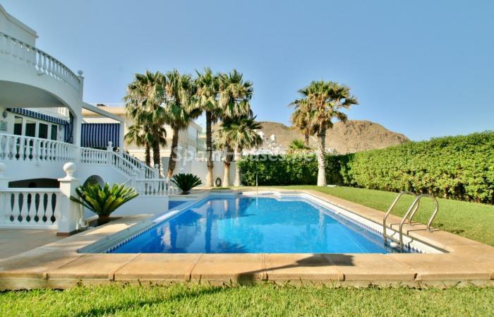 piscina33 - Fantástica villa en primera línea de playa en Carboneras (Almería)