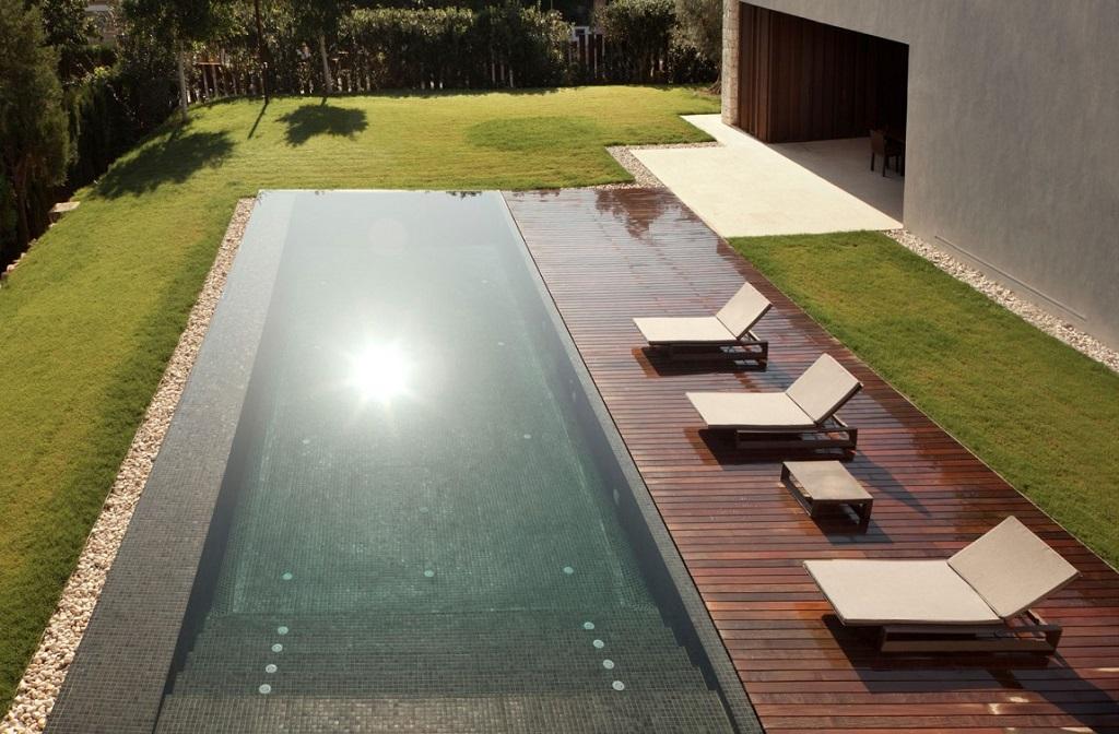 piscina48 - Casa El Bosque (Chiva, Valencia): diseño moderno con distintos grados de intimidad