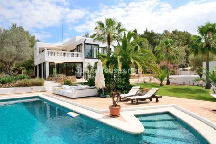 piscina51 - Bonita villa en Santa Eulalia (Ibiza, Baleares): toque mediterráneo y mucha privacidad