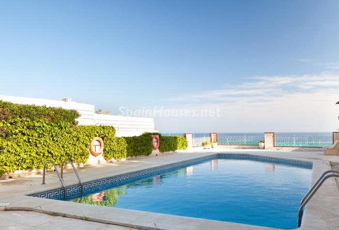 piscina56 - Elegancia, espacio y luz en una fantástica casa en Port d'Aiguadolç, Sitges (Barcelona)