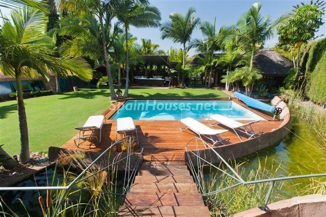 """piscina6 - Casa de la Semana: Espectacular villa de """"lujo exótico"""" en Marbella, Costa del Sol"""
