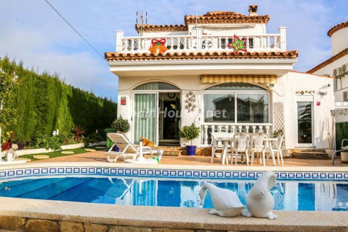 piscina62 - Una casa coqueta, navideña y confortable en Miami Playa (Costa Dorada, Tarragona)