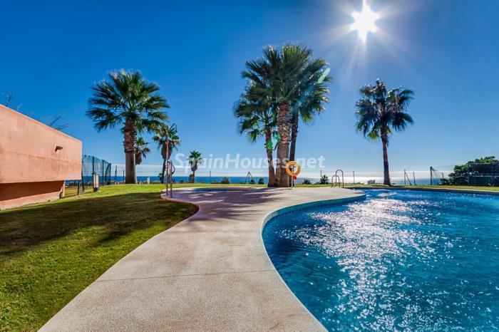 piscina7 - Casa de la Semana: Precioso apartamento en Manilva (Costa del Sol), en 1ª línea de Golf