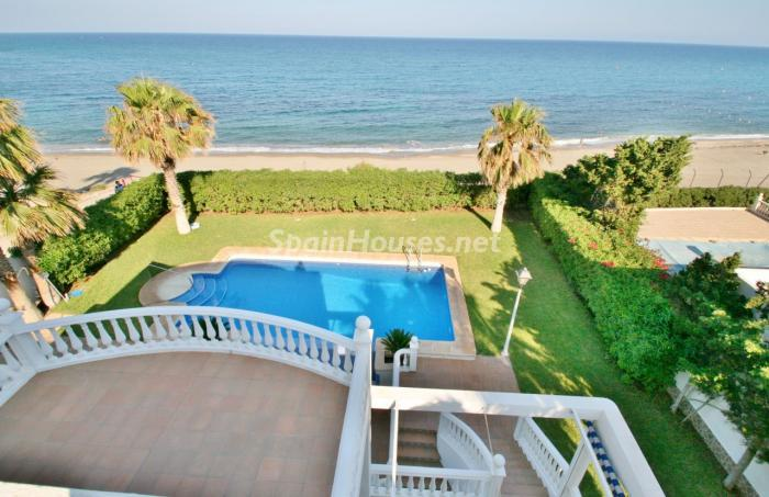 piscinaymar - Fantástica villa en primera línea de playa en Carboneras (Almería)