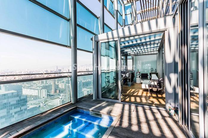 piscinaysalon - Lujo en el cielo de Barcelona en un espectacular ático de diseño en Diagonal Mar