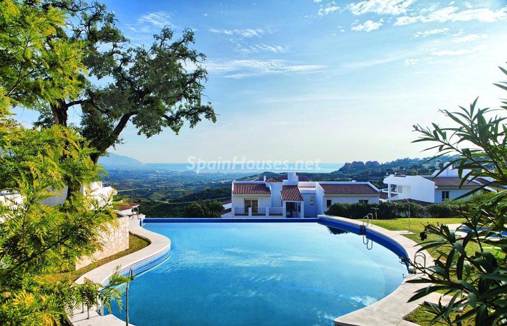 piscinayvistas 4 1024x659 - Precioso piso a estrenar en la Sierra de las Nieves (Istán, Marbella), naturaleza a 15 km del mar