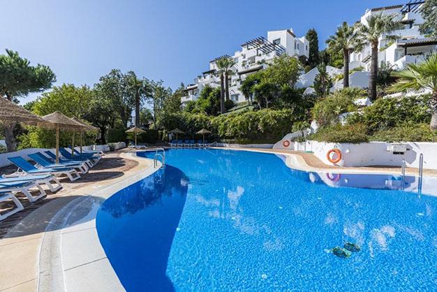 piso 2 1 - 10 pisos en Marbella por menos de 200.000: lujo para disfrutar del buen tiempo todo el año