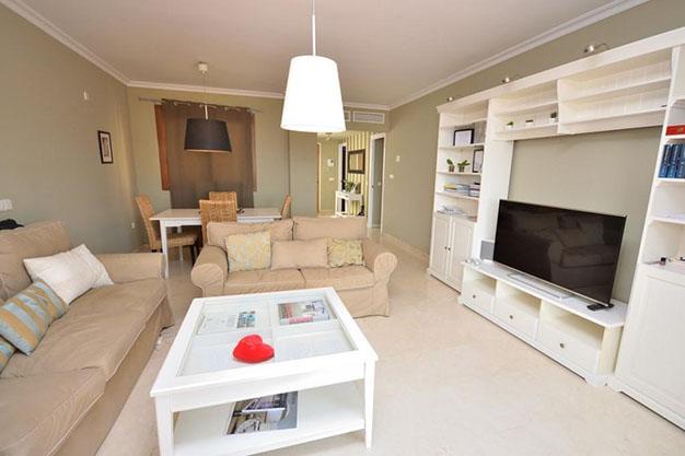 piso 4 1 - 10 pisos en Marbella por menos de 200.000: lujo para disfrutar del buen tiempo todo el año