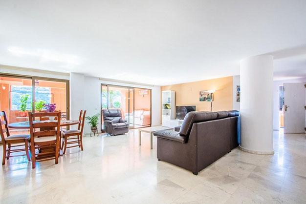 piso 8 1 - 10 pisos en Marbella por menos de 200.000: lujo para disfrutar del buen tiempo todo el año