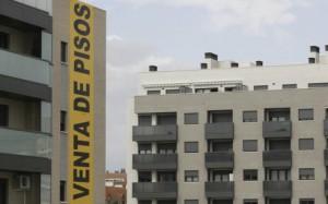 pisos bancos 2 300x187 - Cataluña fija un nuevo impuesto sobre las viviendas vacías de los bancos
