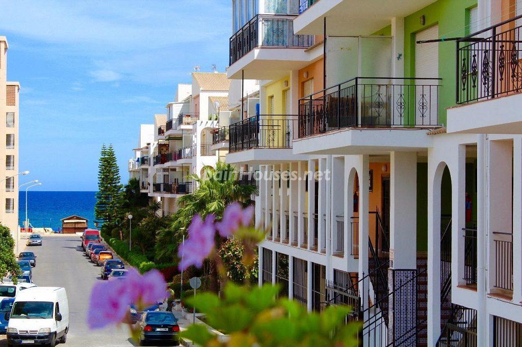 pisos torrevieja alicante 1 1024x682 - También se modera la venta de vivienda en julio al 1,1% por las cláusulas suelo