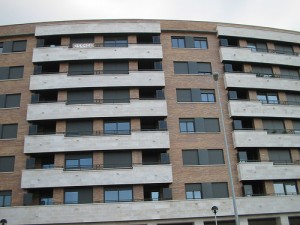 pisos61 300x225 - Multas de 2.000 euros por fraude en las VPO del País Vasco