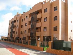 """pisos8 300x225 - Sanción de 6.000 euros para los dueños de un """"piso patera"""""""