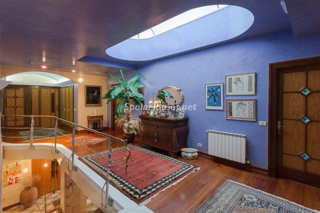 plantasuperior1 1024x683 - Lujosa serenidad clásica en una espectacular casa en Las Palmas de Gran Canaria