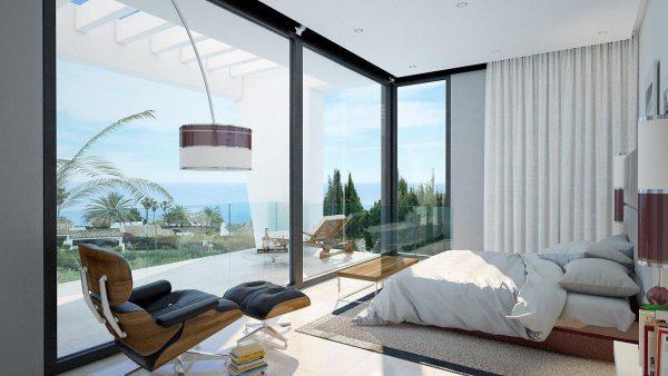 playa estepona 600x338 - ¿Vivirías en la playa o en la montaña?