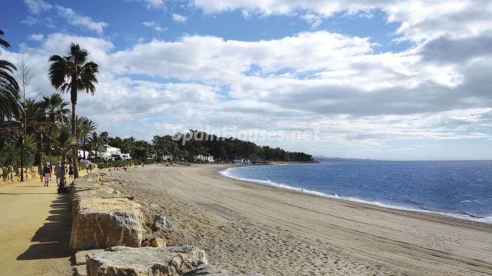 playa - Precioso apartamento con decoración elegante y serena junto al mar en Marbella