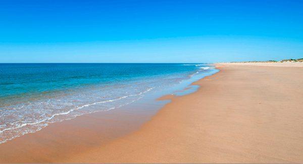 playa senator playa la flecha del rompido 600x326 - Las mejores playas de Andalucía para visitar en Semana Santa
