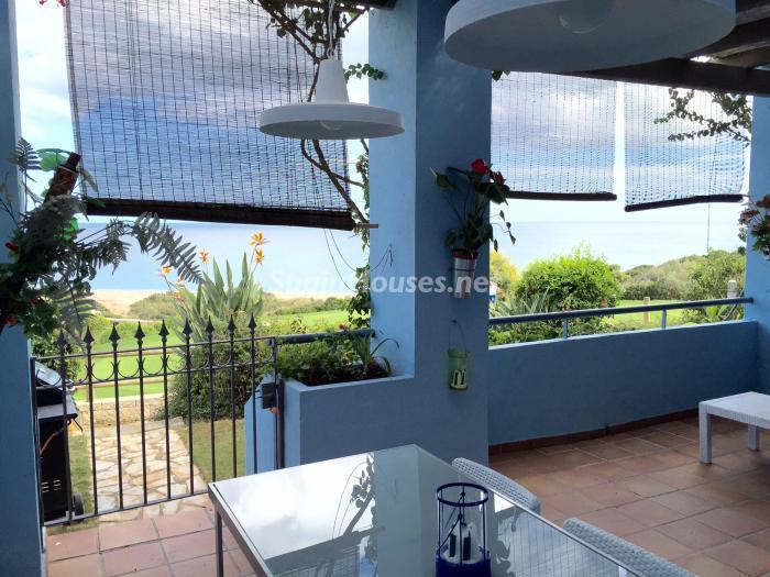 porche 1 - Chalet en alquiler en primera línea de golf y mar en Alcaidesa (Costa de la Luz, Cádiz)