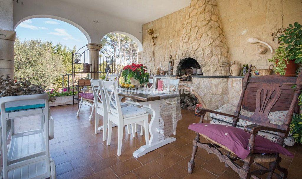 porche 21 1024x608 - Preciosa casa rústica entre viñedos y naturaleza en el Bajo Penedés, Tarragona