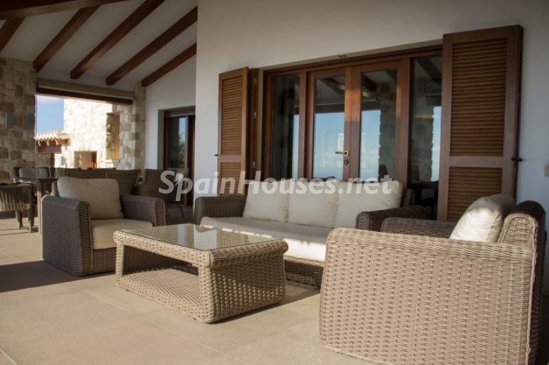 porche 6 - Lujosa casa vestida de piedra en Benitachell (Costa Blanca) con vistas panorámicas al mar
