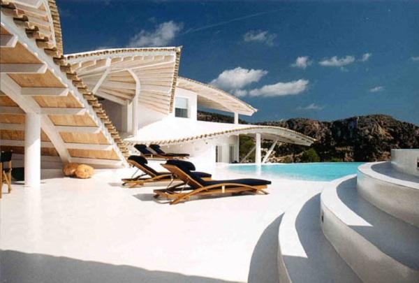 porche piscina 1 - Espectacular villa en Puerto de Andratx (Mallorca), con un fantástico diseño de gaviota