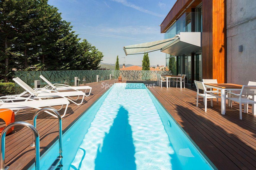 porche piscina 3 1024x682 - Chalet en la Sierra de Collserola (Barcelona): lujo y diseño para disfrutar