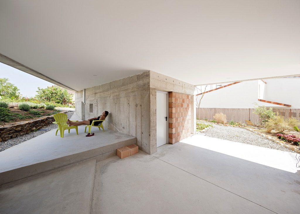 porche plantabja 1024x731 - Casa de los Vientos: Adaptación para el verano en La Línea de la Concepción (Cádiz)