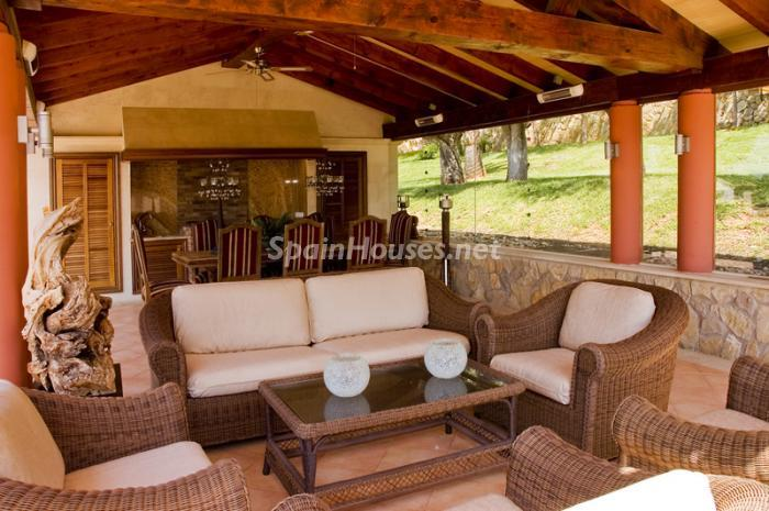 porche1 - Casa de la Semana: Fantástica villa de lujo en Calvià, Mallorca (Islas Baleares)