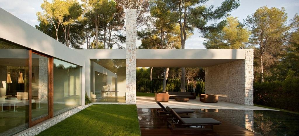 porche17 - Casa El Bosque (Chiva, Valencia): diseño moderno con distintos grados de intimidad