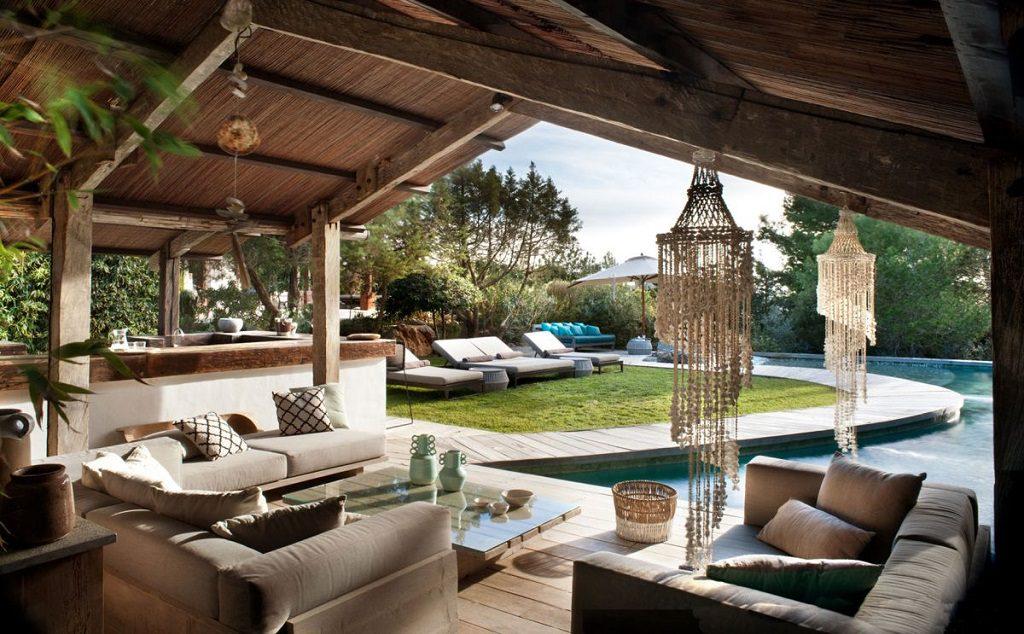porche2 4 1024x634 - Casa rústica y moderna en Ibiza (Baleares): diseño mediterráneo que enamora