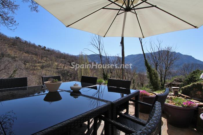porche24 - Otoño y naturaleza en una preciosa casa tradicional en Ribagorza, el Pirineo de Huesca