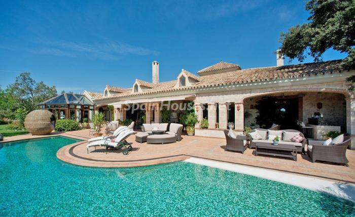 porcheycasa 1 - Espectacular villa llena de romanticismo, elegancia y lujo en Benahavís (Costa del Sol)