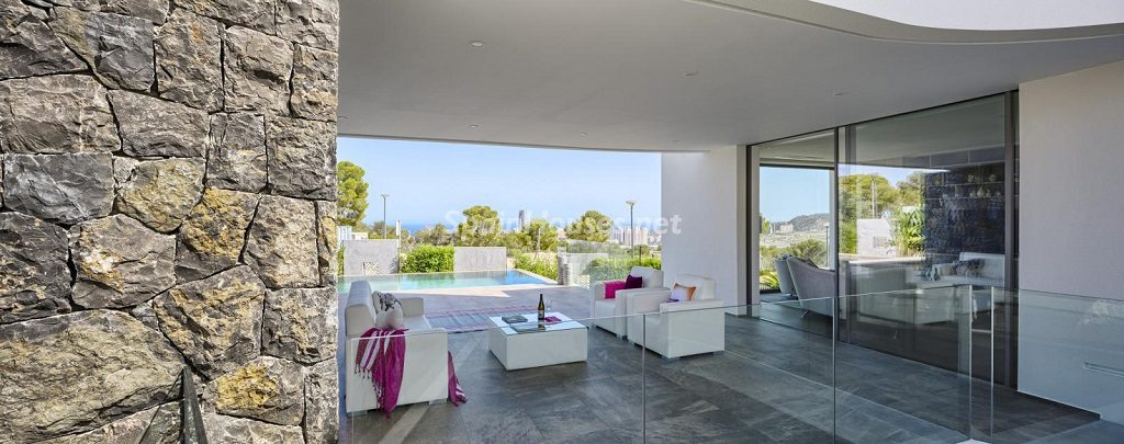 porcheypiscina 8 1024x405 - Diseño contemporáneo a estrenar en una fantástica villa en Finestrat (Costa Blanca, Alicante)