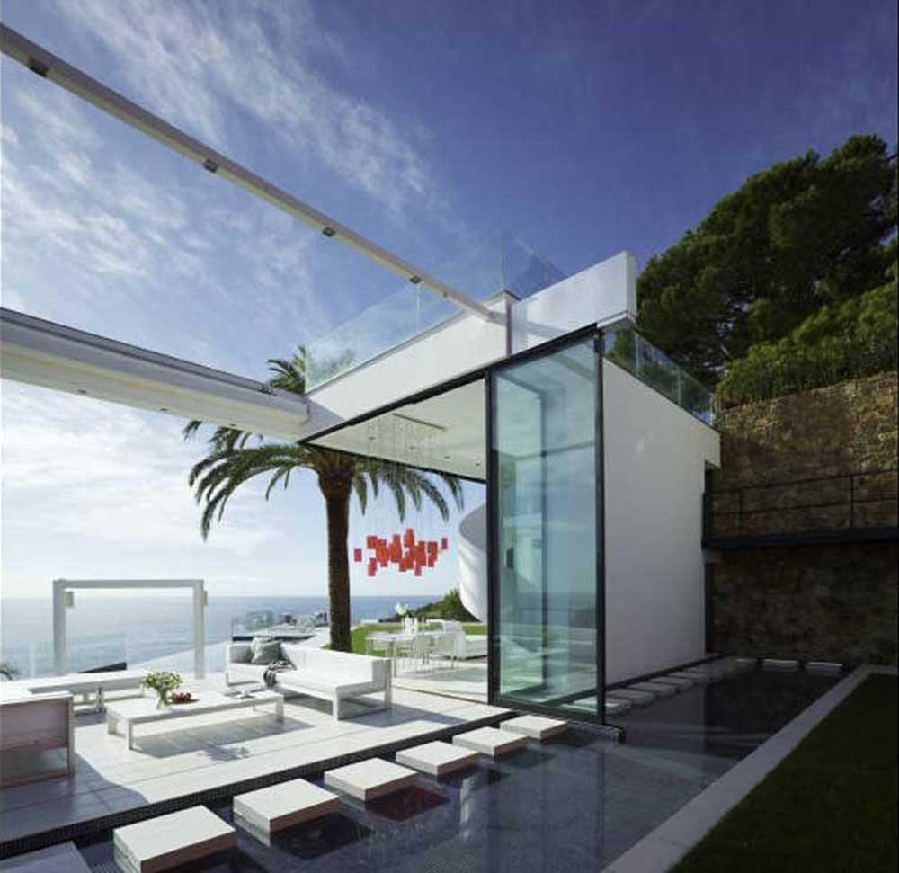 porcheyterrazas - Diseño en el acantilado en una fantástica casa en Tossa de mar (Costa Brava, Girona)