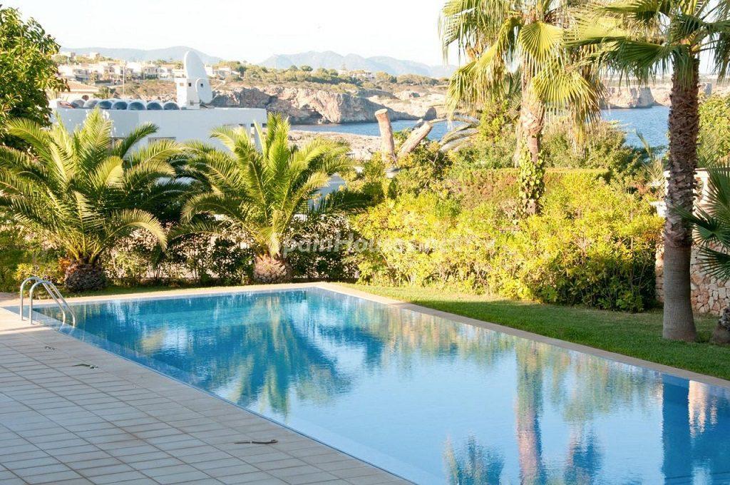 portocristo mallorca baleares 1024x680 - Fantásticas piscinas de otoño en 14 geniales casas ideales para despedir el verano