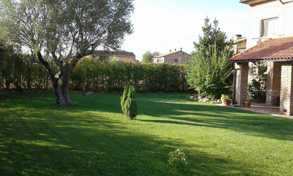 puebladecastro huesca 1024x614 - De verde y primavera: 18 espectaculares casas con un amplio y soleado jardín