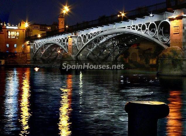 puentedetriana